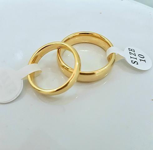 Alianças de tungstênio banhadas a ouro 18k