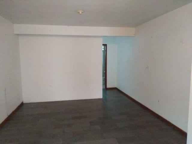 Apartamento no centro, com garagem, 42m² - Foto 2
