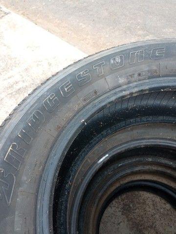 Pneus pra camionete aro 18  265/60 marca bridgestone - Foto 2