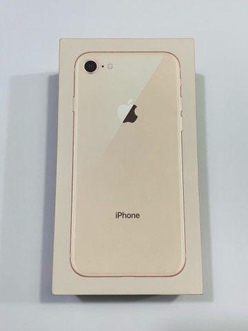 iPhone 8 - Gold  - Foto 5