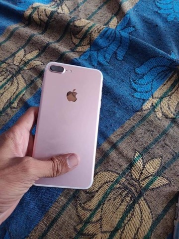 Ótimo iPhone 7 Plus rose  - Foto 2