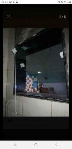 Esquadrias e vidraçaria  - Foto 4