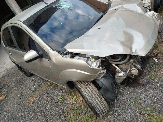 Ford Fiesta Sedan 1.6 Class 2013 batido barato oportunidade