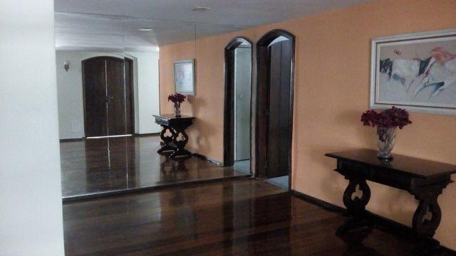 Apartamento amplo 3 quartos sendo 1 suíte e dependência completa na Tijuca