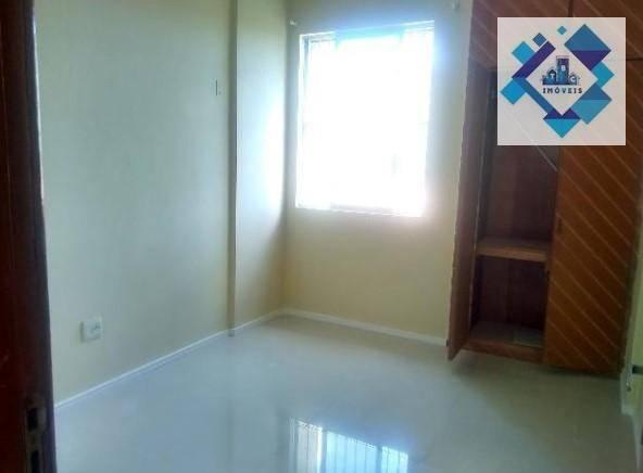 Apartamento no 3º andar, varanda, ampla sala em L, bairro jacarecanga. - Foto 7