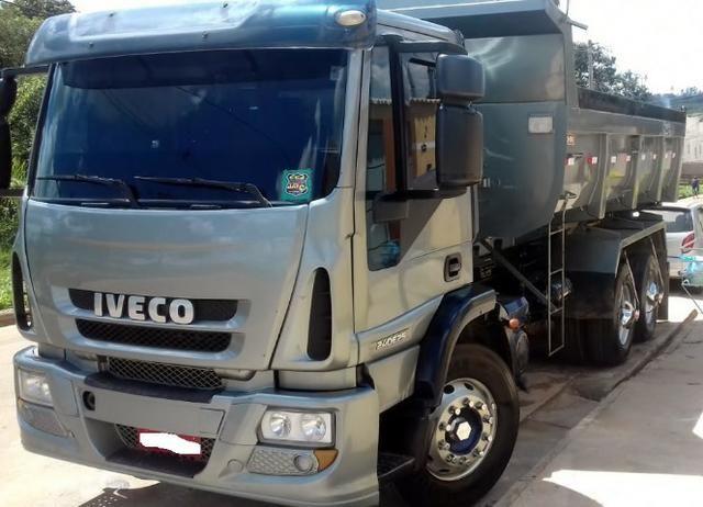 Iveco Trucado Caçamba - 240e25 - Pronto para trabalhar - R  110.000 a3f924f9dbf51