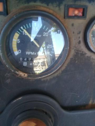 Trator MF 275 4x4 ano 2000/2001