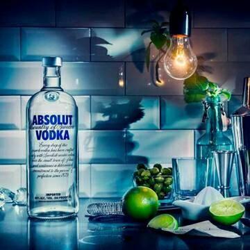 Vendo vodka absolut lacrada  - Foto 3