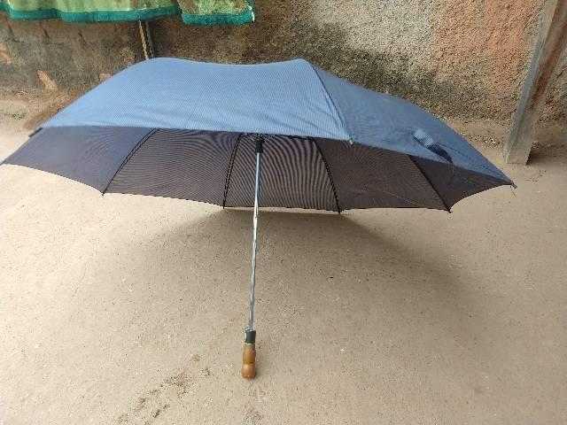 Guarda chuva 10 reais *