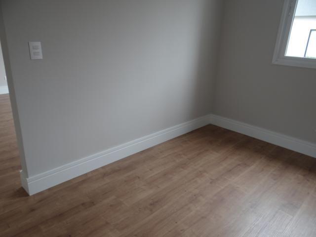 Casa nova em condomínio. Recém concluída. 01 suíte. 02 demi-suíte. - Foto 10