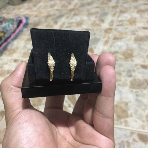 Brinco de ouro 18k 750 14 pedras de brilhante