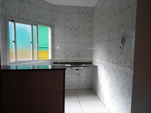 Alugo apartamento 02 quartos SEM garagem em Rosa da Penha (Campo Grande) - Foto 2
