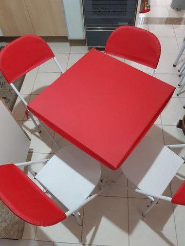 Mesa dobrável com 4 cadeiras - Foto 2