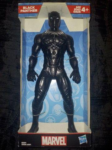 Boneco Hasbro pantera negra!