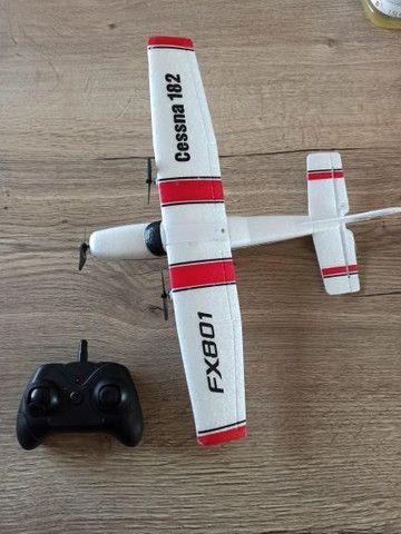 Avião rc de controle remoto Cessna 182 com duas baterias novo na caixa