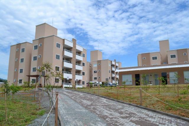 Apartamento mobiliado condomínio fechado