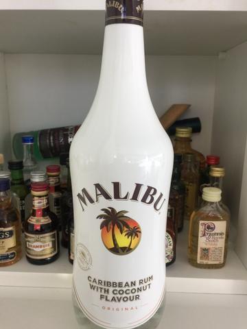 Licor Malibu original importado 1 litro