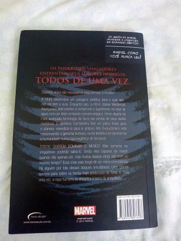 Livro dos Vingadores - Foto 3