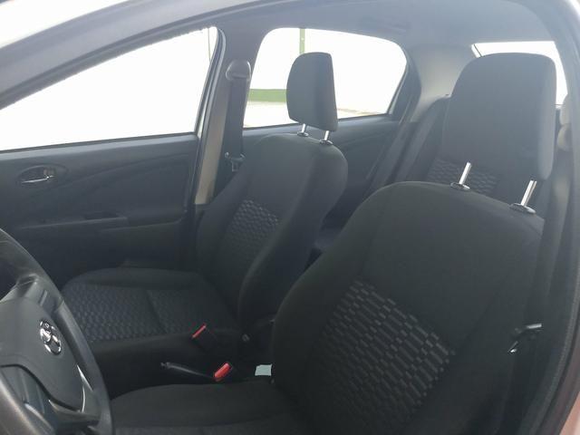 Toyota Etios Sedan 2016 - Foto 2
