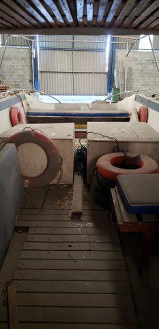 Lancha 33 pés 2 motores diesel - Foto 8
