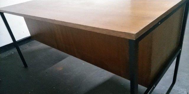 Mesa de Escritório de Madeira Usada - Foto 2