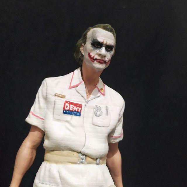 Coringa com roupa de enfermeira - Foto 5