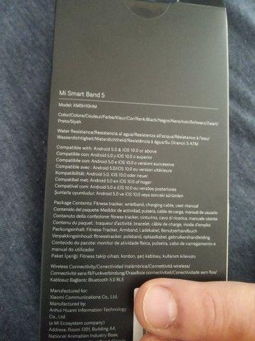 Smartband Xiaomi Mi Band 5 versão global + 2 películas de proteção - Foto 2