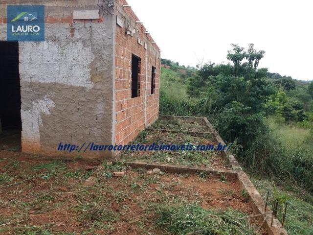Vende-se casa na Lajinha em Construção