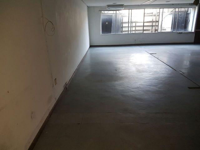 Excelente Prédio Comercial de Esquina, 440 m2, lado da sombra, ideal para farmácias, lojas - Foto 5
