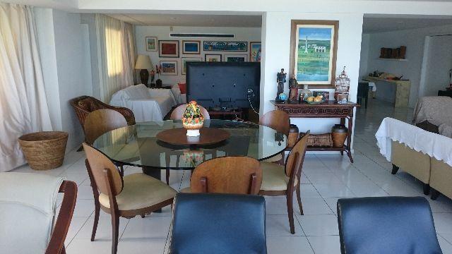 Excelente Apartamento com 350m² de área privativa, vista privilegiada para o mar