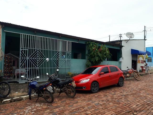 Casa com ponto comercial no Conjunto Tangará