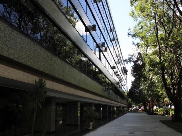 Apartamento 3 quartos, SQS 310 Bloco J, Asa Sul, Reformado - Vazado 5O Andar - Nascente -