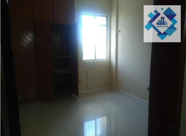 Apartamento no 3º andar, varanda, ampla sala em L, bairro jacarecanga. - Foto 4