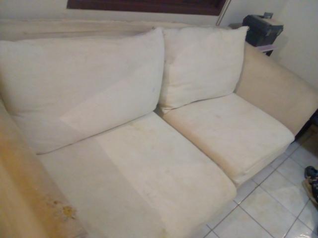 Sofá com estrutura toda de madeira e espuma de primeira qualidade estou vendendo barato - Foto 2