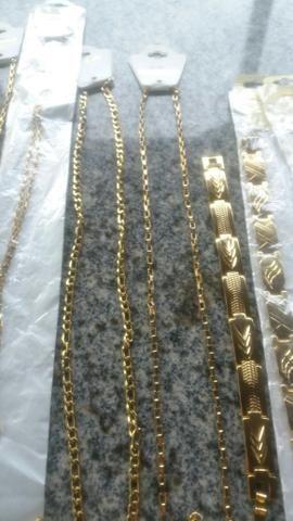 Cordões puseiras e braceletes aço inóxidavel folheados tops