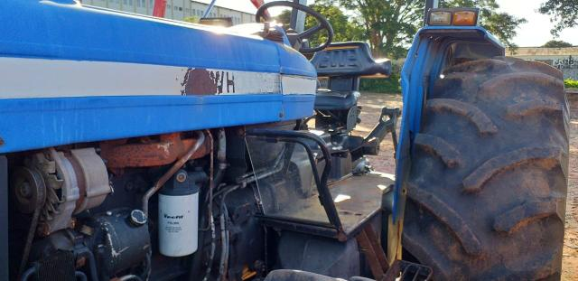 Trator New Holland 7630 4x4 ano 2004/2005 - Foto 3