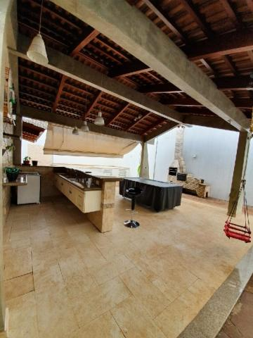 Casa para alugar com 4 dormitórios em Tabajaras, Uberlândia cod:24839 - Foto 13