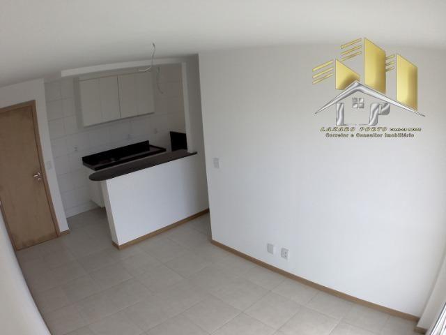 Laz- Alugo apartamento com varanda perto da praia (09)