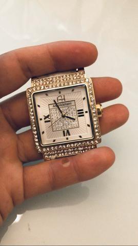 Vendo relógio semi novo Ana Hickmann