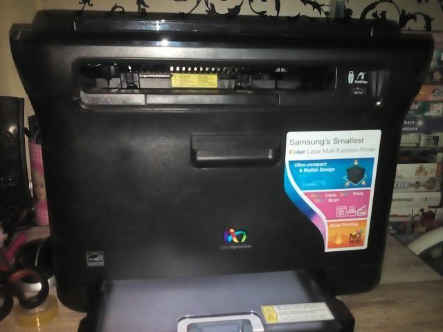 Impressora Samsung CLX 3175n - Foto 6