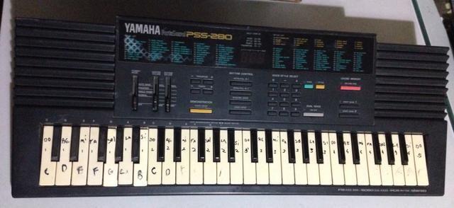 Teclado Yamaha PSS-280