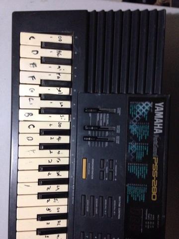Teclado Yamaha PSS-280 - Foto 4