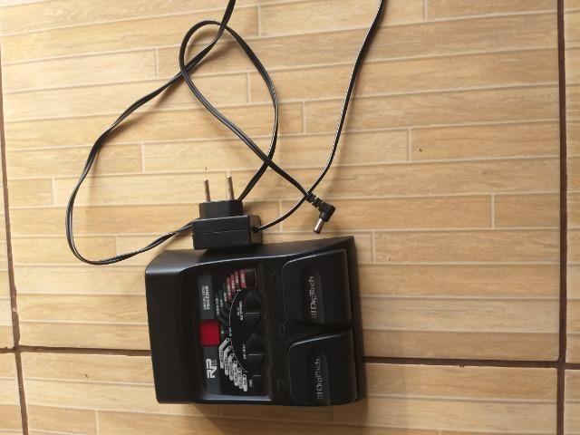 Pedaleira digitech para guitarra - Foto 2