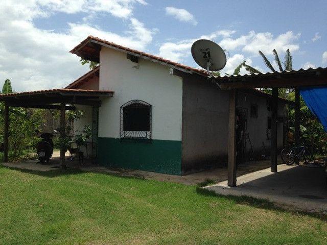 Vende-se casa próxima a Ufam-Parintins (100 mil). FONE: * ? Noélio
