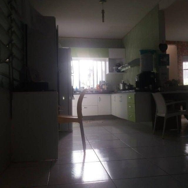 Vendo Uma Casa na Santa Lucia com Piscina(So Venda) - Foto 2