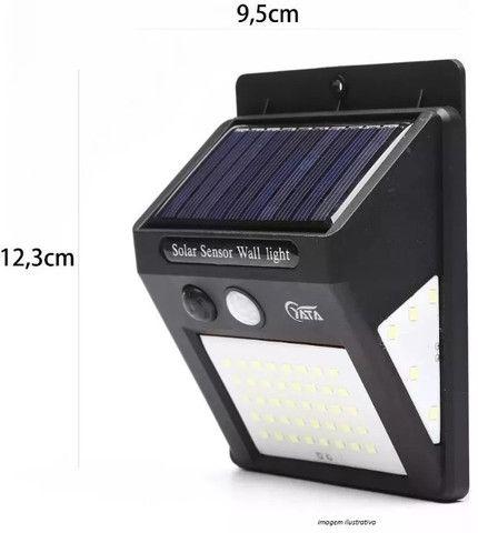 Luminária Autônoma (Sensor de presença, carregamento energia solar) Arandela - Foto 2