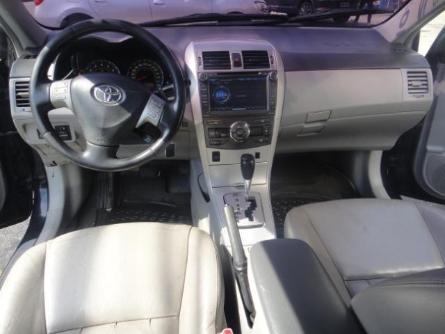 Toyota Corolla Financio ate sem entrada+gnv d quint ger+ completo troca moto ou carro - Foto 18
