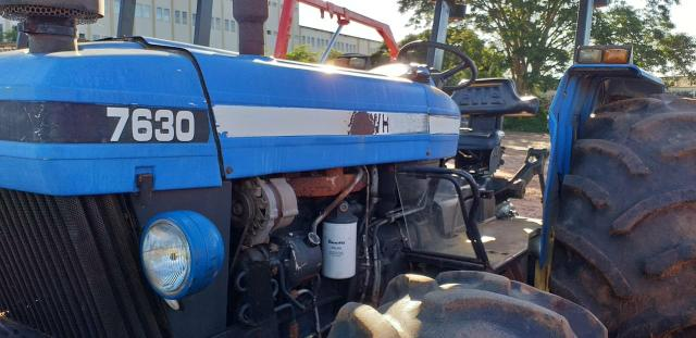 Trator New Holland 7630 4x4 ano 2004/2005 - Foto 4