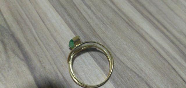 Anel de Ouro (2g) com pedra de Esmeralda - Foto 2