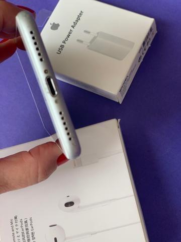 IPhone 8 64GB Silver - praticamente sem uso - completo - Foto 6